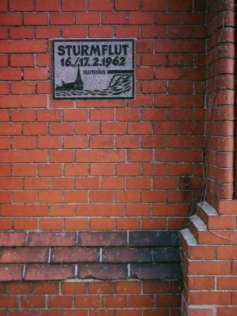 High water mark of the 1962 flood at a church in Hamburg-Moorburg